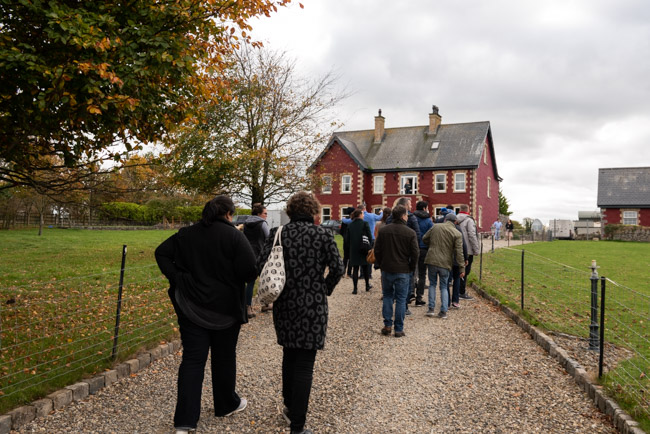 Attendees of Food On The Edge 2018 visiting Rigneys Farm, Co. Limerick - Photography by Clare Yazbeck